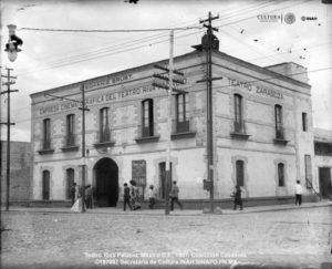 Teatro Riva Palacio, démoli en 1908, premier cinéma permanent de Mexico, sis calle de Ayuntamiento.